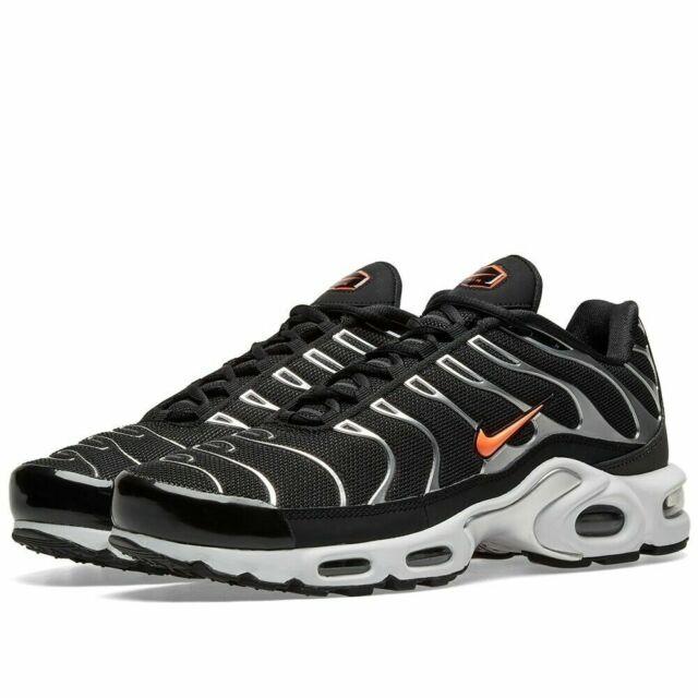 NEW Sz 11.5 Men Nike Air Max Plus TN SE Black Hyper Crimson Dark Grey CD1533 001