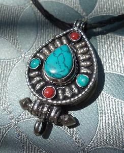 Wunderschönes Amulett OM mit Koralle und Türkis aus NEPAL