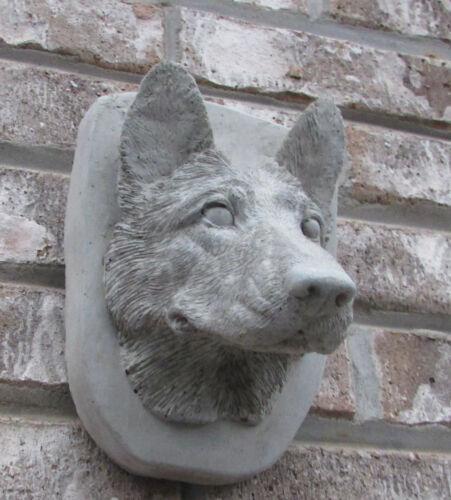 PLAQUE  STATUE//////////MONUMENT GRAVE MARKER CONCRETE GERMAN SHEPHERD WALL HANGER
