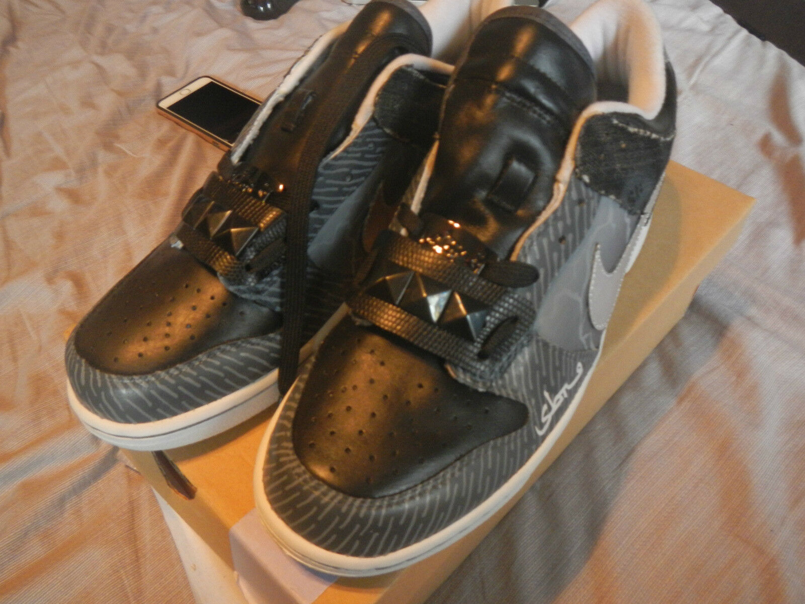 2007 SUPER RARE NIKE DUNK faible BY SABOTAGE & MR. SK HAND PAINT ONLY 12 PAIRS