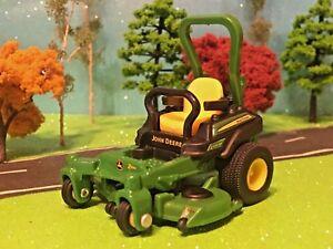 JOHN-DEERE-ERTL-Farm-Toy-Zero-Turn-Mower-Model-Z930M-1-32-Scale-Die-Cast