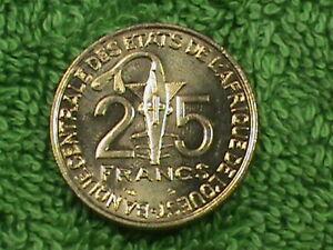 WEST  AFRICAN  STATES   10 Francs   2000   UNC  *