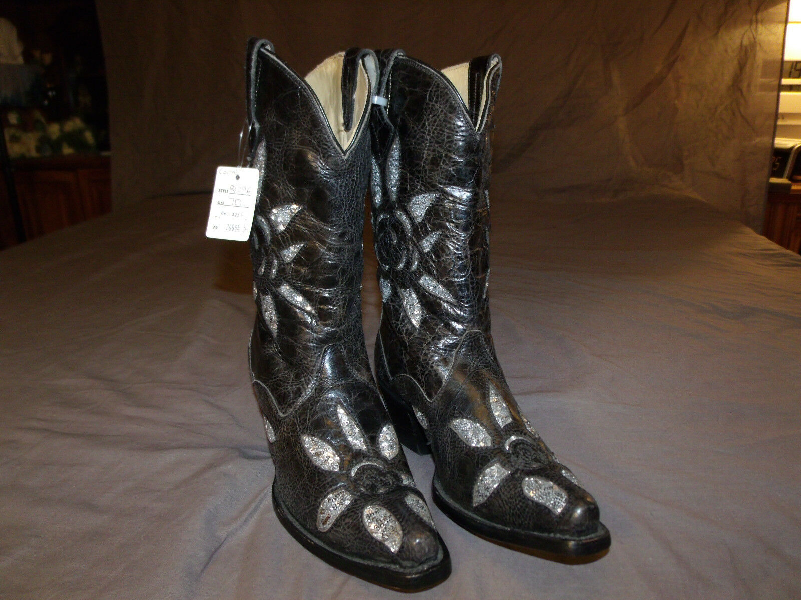 Corral Ladies Western Gal Boots Black/Silver Sequins Flower Inlay R1096 Sz. 7.0M
