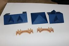 HTF Lincoln Logs Yukon Express Blue Roof Pieces for your wood cabin VGC