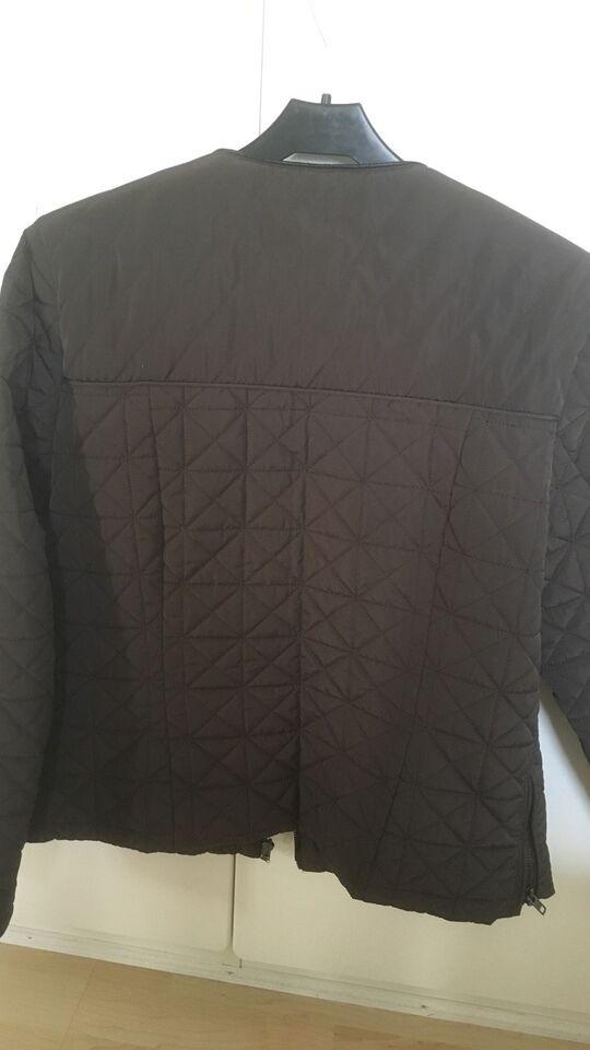 Andet, str. 40, Quiltet jakke