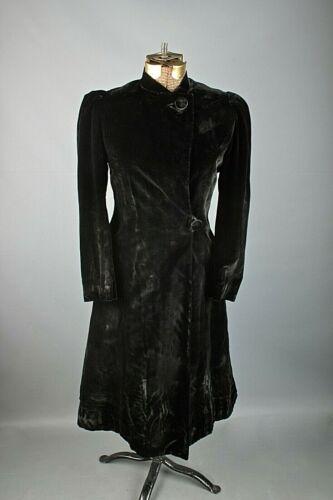 VTG Women's 30s-40s Long Velvet Black Coat Sz S #… - image 1