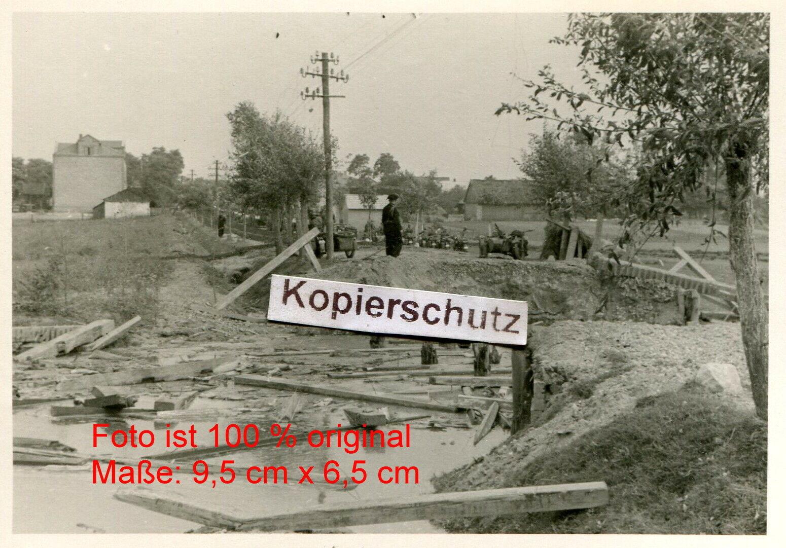 Bild 1 - Polen-Panzer-Rgt-36-4-PD-Panzer-Kradmelder-zerstoerter-Bruecke-bei-Piotrkow