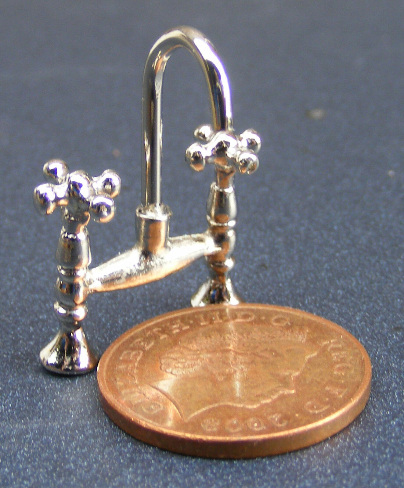 1:12 Scale Set Of 4 Silver Metal Taps Faucets Tumdee Dolls House Accessory 697