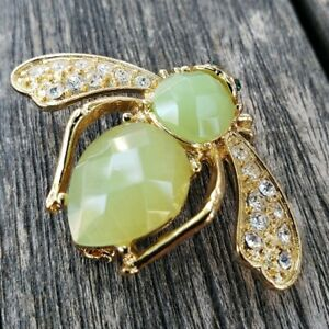 Joan-Rivers-Bumble-Bee-Pin-Lim-Green-Cabochon-Crytal-Green-Eyes-Retired-Brooch