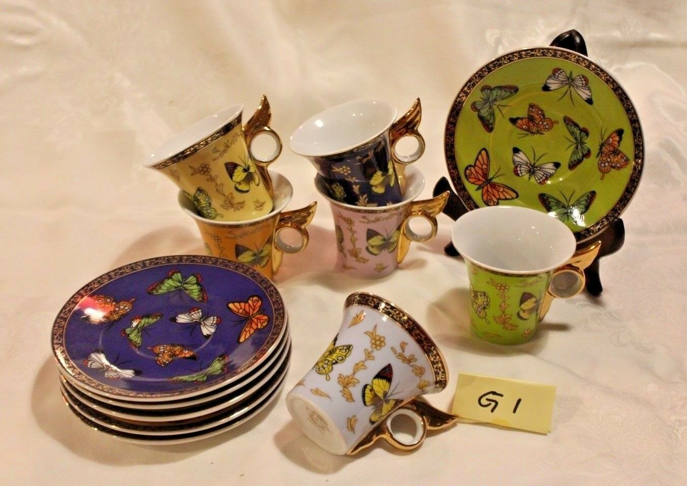 SET OF 5 CLASSIC BUTTERFLY DESIGN CUP AND SAUCER (G1)