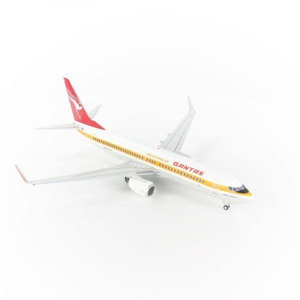 Qantas Boeing 737-800 VH-XZP Retro 1:200 scale die-cast model replica aircraft