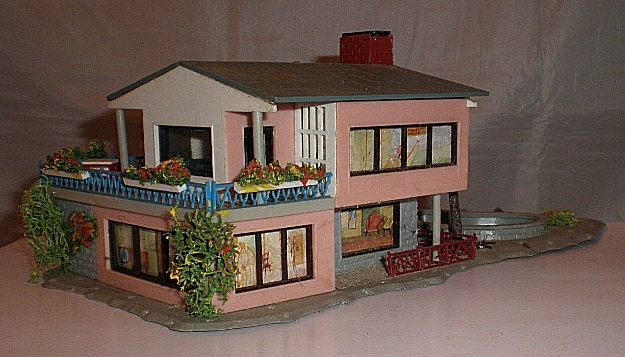 Vintage Plastic HO Building - Faller Faller Faller House with Pond (ref B40) 680acd