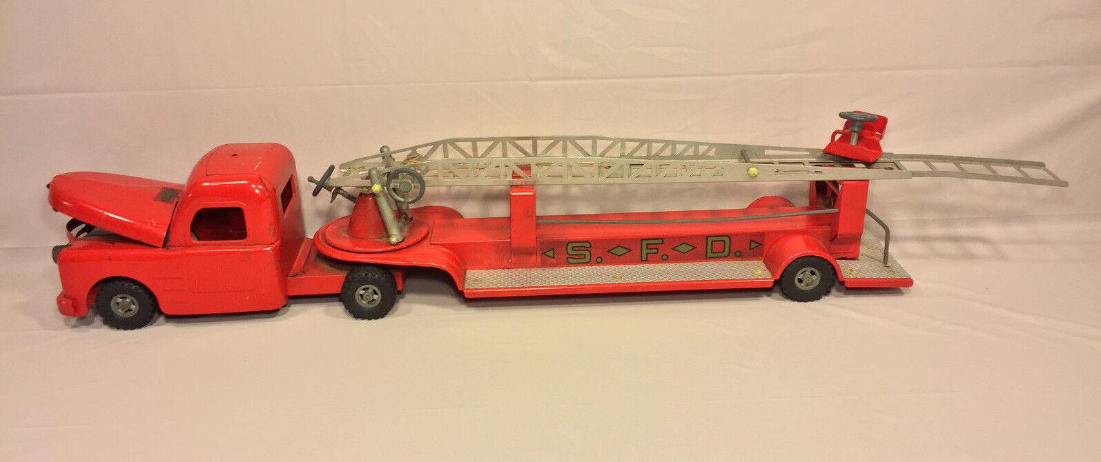 Vintage Structo camión de bomberos Gancho y escalera con compartimento del motor intacto