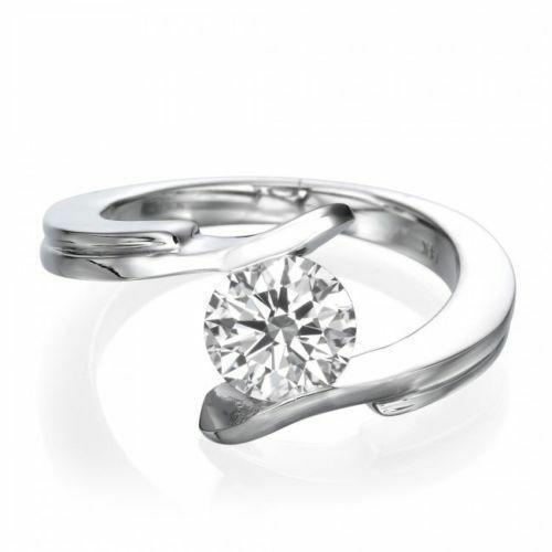 Stunning 0.30 Cts F VS1 Round Brilliant Cut Diamond Solitaire Ring In 18K gold