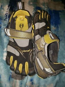the best attitude 36718 23150 Image is loading Mens-40-Vibram-Fivefingers-Komodo-Sport-M3681-Black-