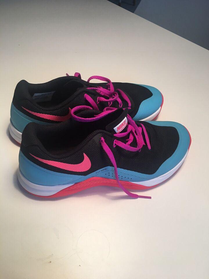 Fitnesssko, Nike