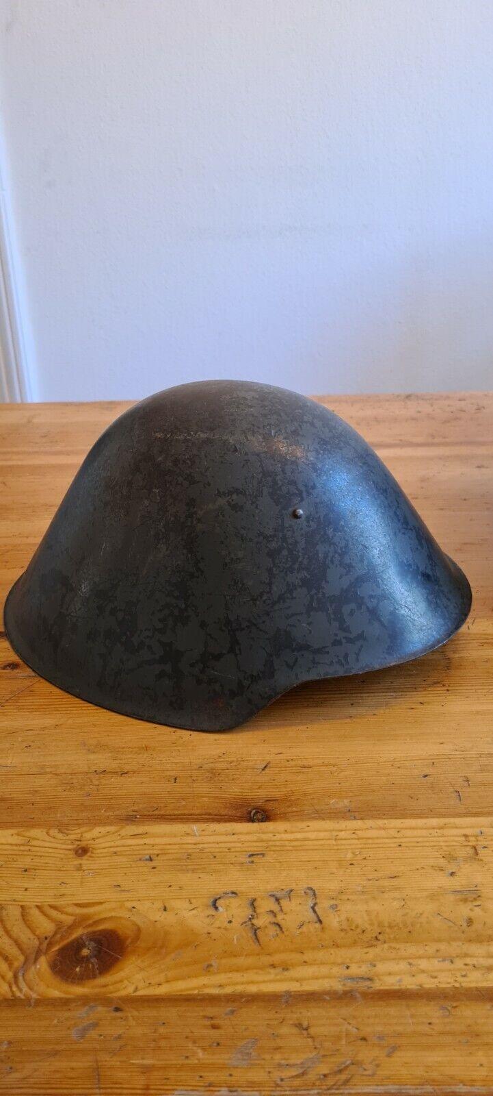 Bild 1 - NVA-M53-Stahlhelm-Erstes-Modell-Wie-Wehrmacht-Original