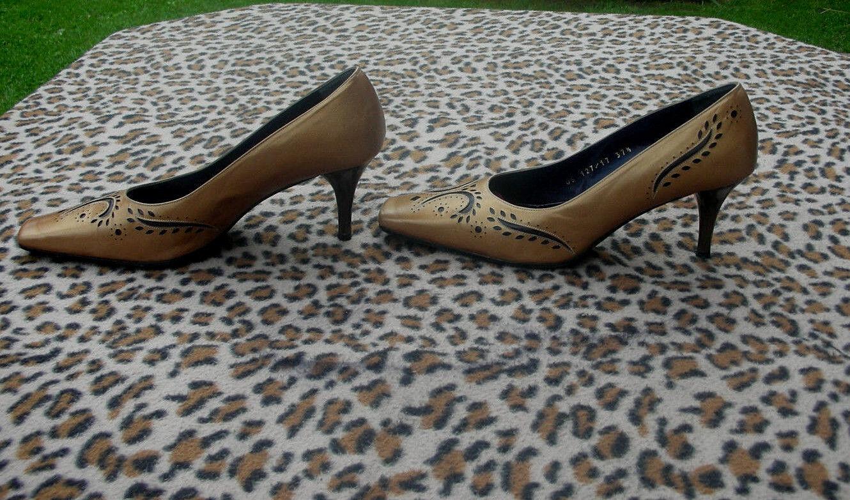 Vintage  Magrit gold Beige leather shoes UK size 4.5