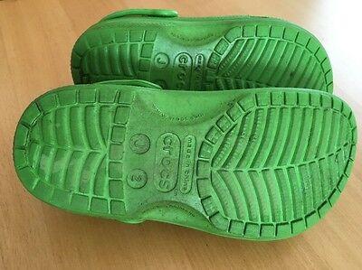 Crocs grün mit 4 Stickern
