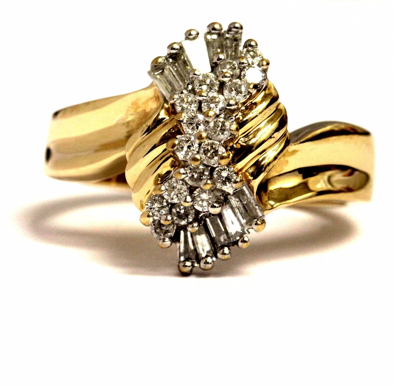 14k yellow gold .57ct SI2 H diamond cluster ring 4.8g estate vintage womens