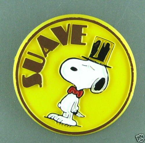 Snoopy suave peanuts vintage pin