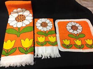 Vtg. SAYCO 3 Piece Set Washcloth Bath Towel Hand Towel RETRO SUNFLOWERS NOS