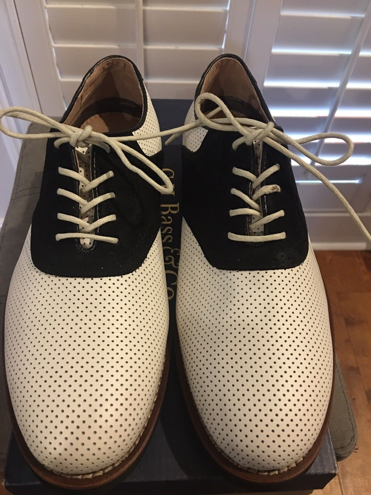 GH Bass Burlington Oxfords White Blk Size 9D