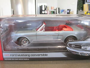 1-18-AUTOWORLD-AMM1103-06-1965-FORD-MUSTANG-CONVERTIB-BLUE-RED-NEW-1-of-1002