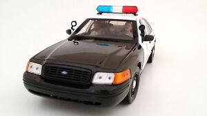 SEATED SHERIFF OFFICERS 2PC FIGURE SET FOR 1:24 SCALE BY AMERICAN DIORAMA 23827