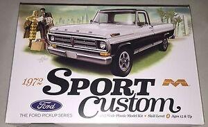 Moebius-1972-Ford-Sport-Custom-Pickup-1-25-plastic-model-kit-new-1220