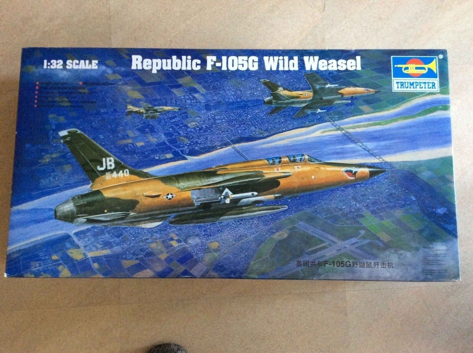02202 Airplane Model F-105G Wild Weasel Fighter 1 32 Scale Warplane Trumpeter