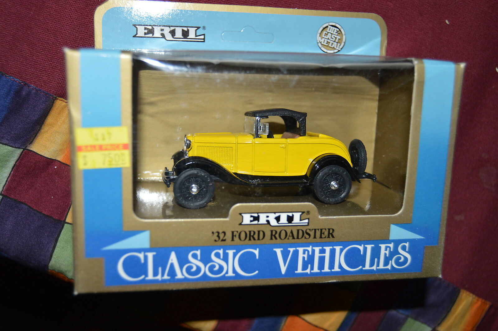 NIP VINTAGE ERTL 1 43 scale Classic Vehicle '32 FORD ROADSTER w Rumble Seat
