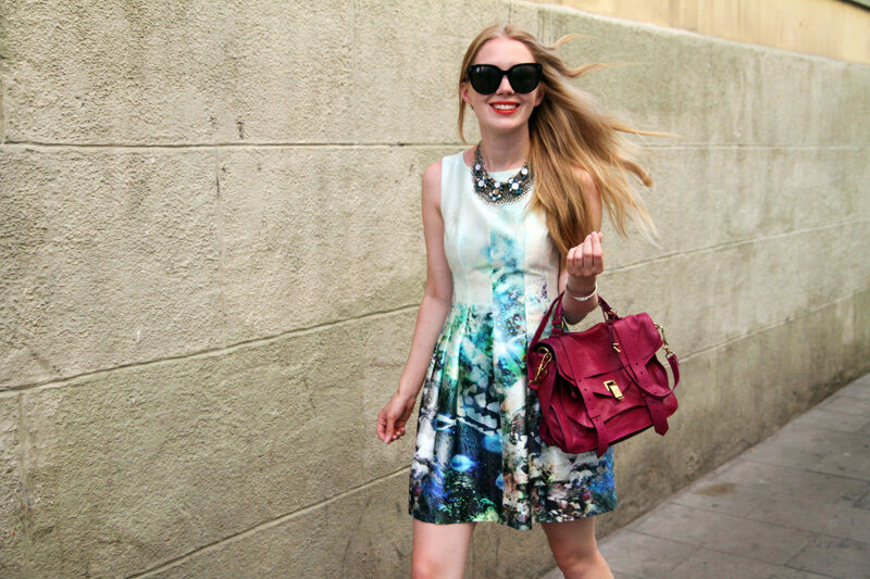 Zara Fish Aquarium Drucken Tulip Dress Bloggers Größe M MEDIUM