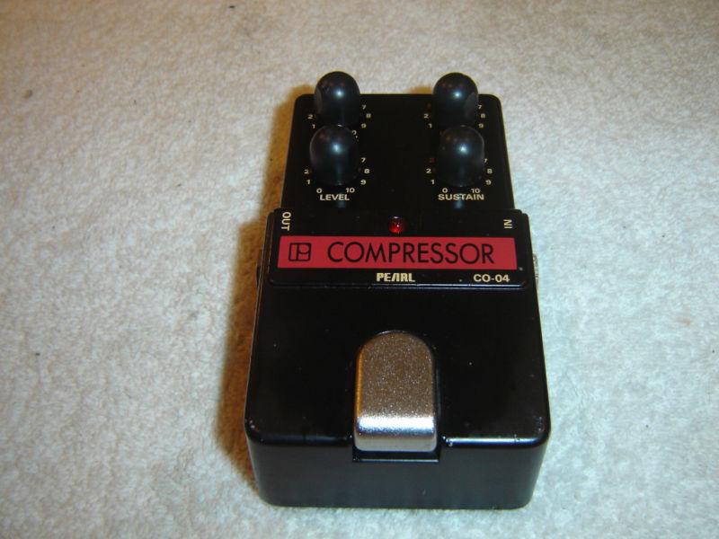 Pearl CO-04 Compressor, Vintage Guitar Pedal