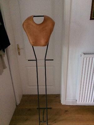 Modestil Unikat--handmade Design Limitiert Weibliche Skulptur Stahl-leder Diversifizierte Neueste Designs