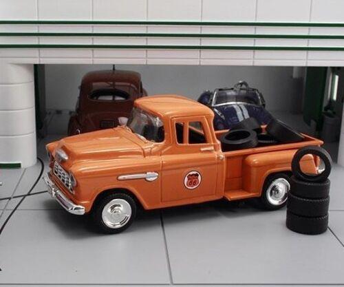 NIB Diecast 1//43 1955 Chevrolet Stepside Pick-up Truck Phillips 66 w 10 Tires
