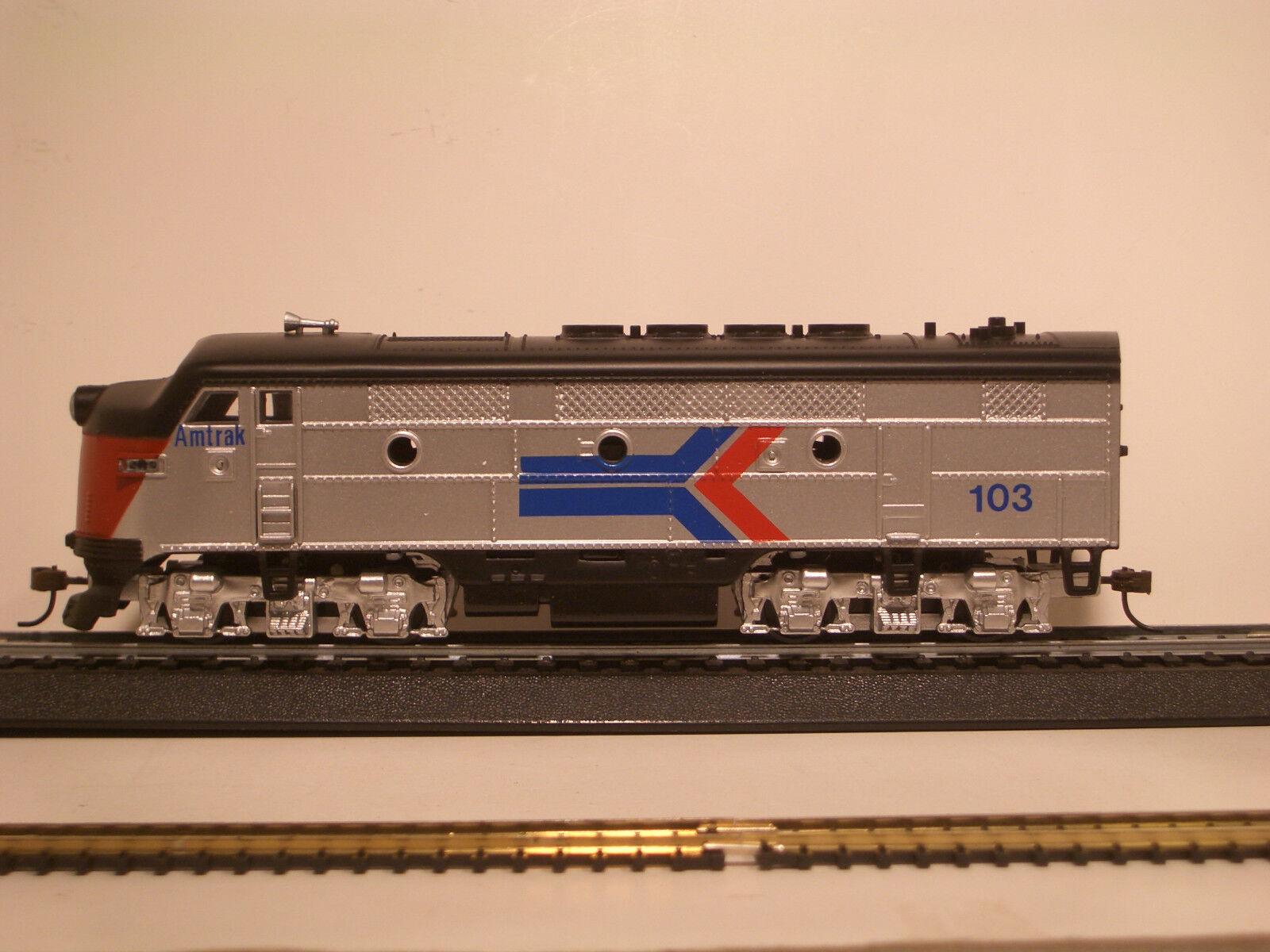 HO LOCO F3 AMTRAK loco AMTRAK F3 a DCDCCS M6806