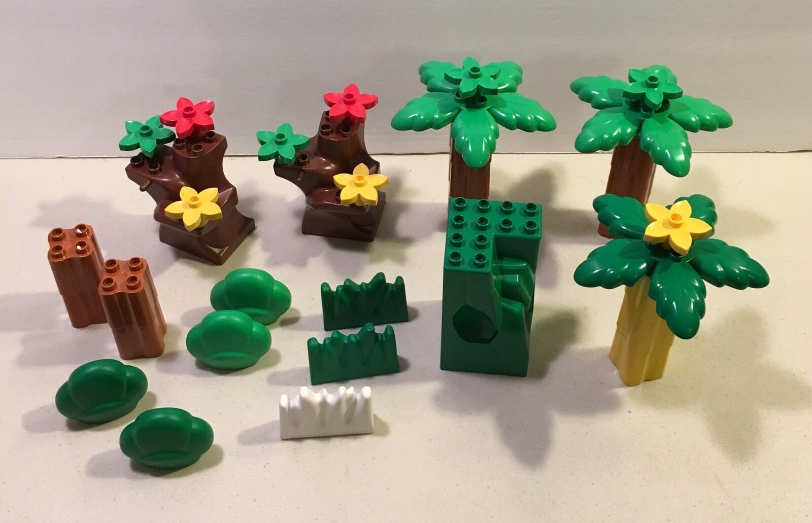 Lego Duplo Palm Trees Flowers Foliage Hedges Cave Mixed Lot