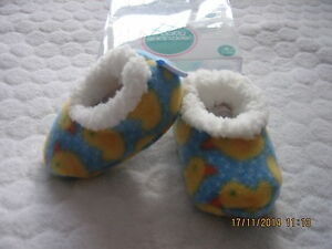BABY SNOOZIES COZY SOFT FLEECE FOOT COVERINGSSLILPERS DUCK DESIGN 3 SIZES PICK - Ilkley, West Yorkshire, United Kingdom - BABY SNOOZIES COZY SOFT FLEECE FOOT COVERINGSSLILPERS DUCK DESIGN 3 SIZES PICK - Ilkley, West Yorkshire, United Kingdom