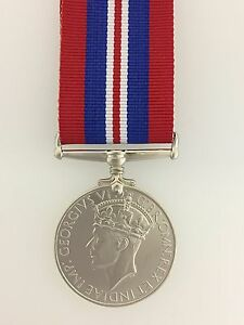 WWII-Britain-British-War-medal-for-1939-45-Full-size-with-ribbon