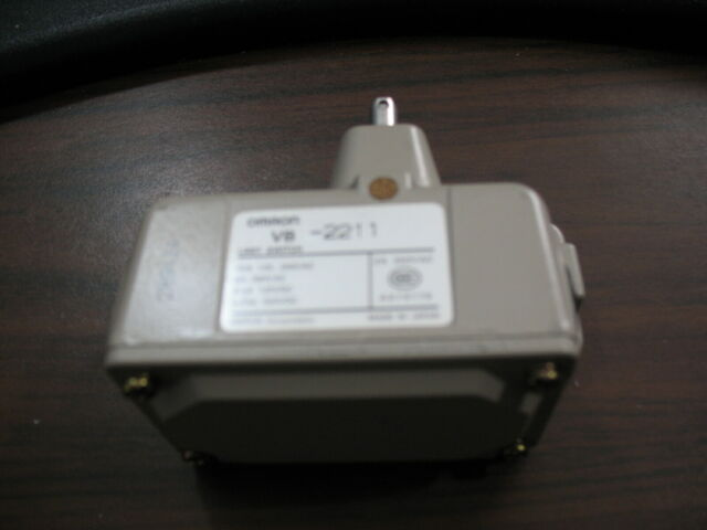 Omron D4C-1620 Limit Switch D4C1620