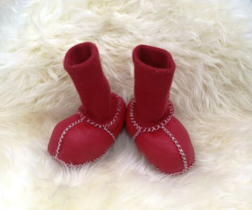Stay put sheepskin booties Stay on boot FIRST SHOES WARM LEG WARMERS SIZE 3 UK