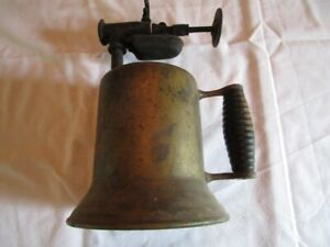 Vintage-Antique-Brass-Gas-Kerosene-Blow-Torch-with-Wood-Handle
