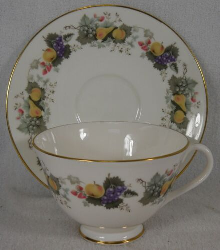 ROYAL DOULTON china RAVENNA pattern H4977 Cup /& Saucer Set @ 2-1//2/""