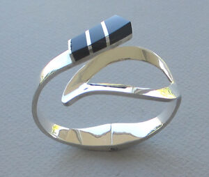 0-925-Sterling-Silver-with-Black-Onyx-Inlay-Bracelet-Taxco-Mexico-1-87oz-53g