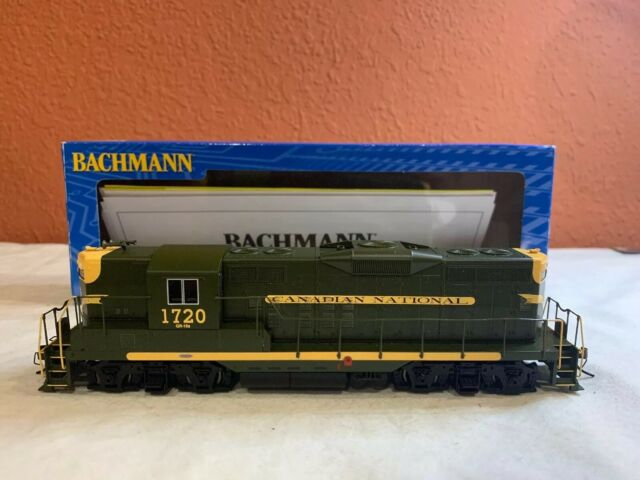 BACHMANN HO SCALE#62813 EMD GP9 DIESEL LOCO(DCC EQUIPPED) CANADIAN NATIONAL 1720