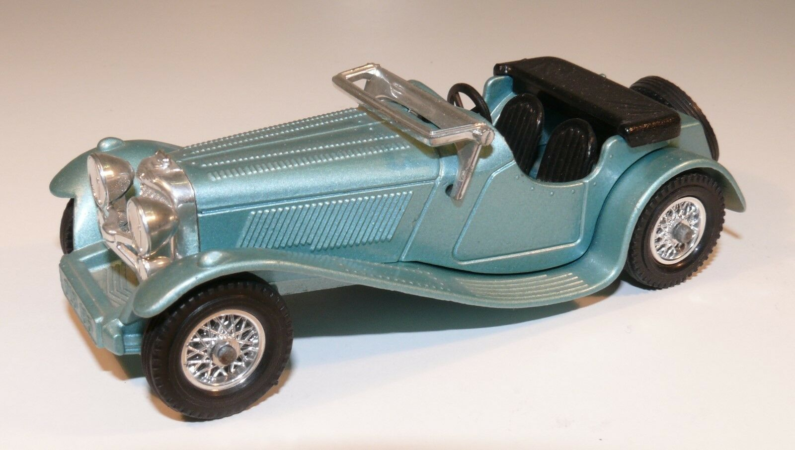 Matchbox models of yesteryear 1936 SS. 100 Jaguar