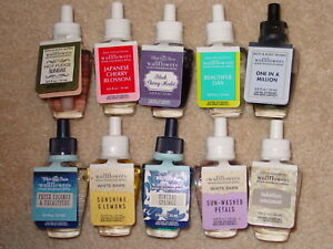 BATH-amp-BODY-WORKS-WALLFLOWERS-HOME-FRAGRANCE-REFILL-SINGLE-YOU-CHOOSE-SCENT