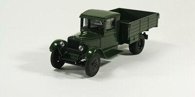 Scale model truck 1//43 ZIS-22 side dark green