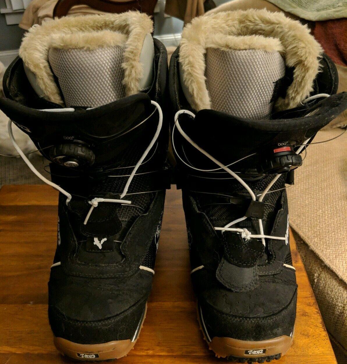 Furgoneta femenina Kira. botas de esquí de 7 yardas.